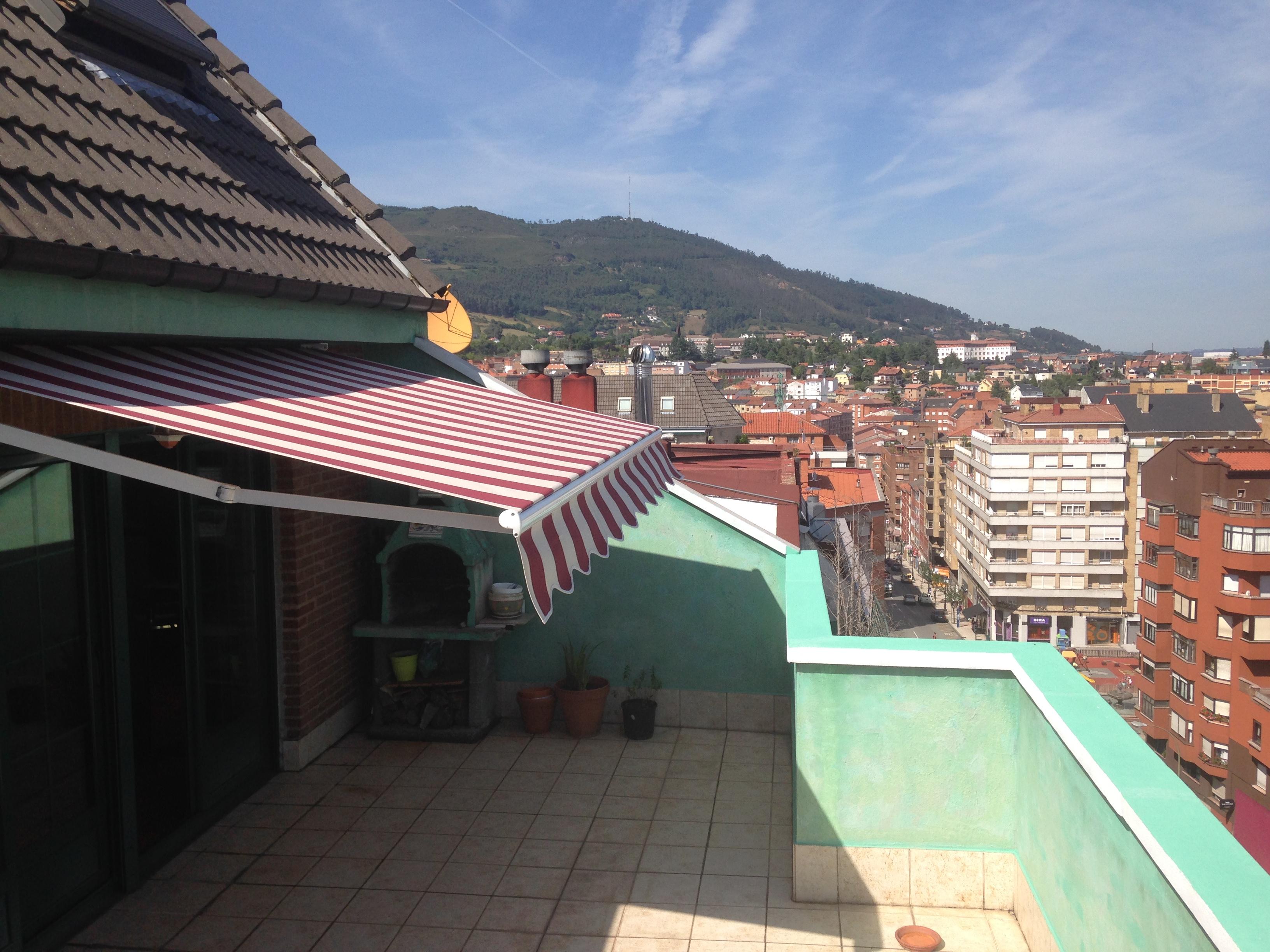 Toldo para terraza en oviedo asturias toldos en asturias for Terrazas oviedo