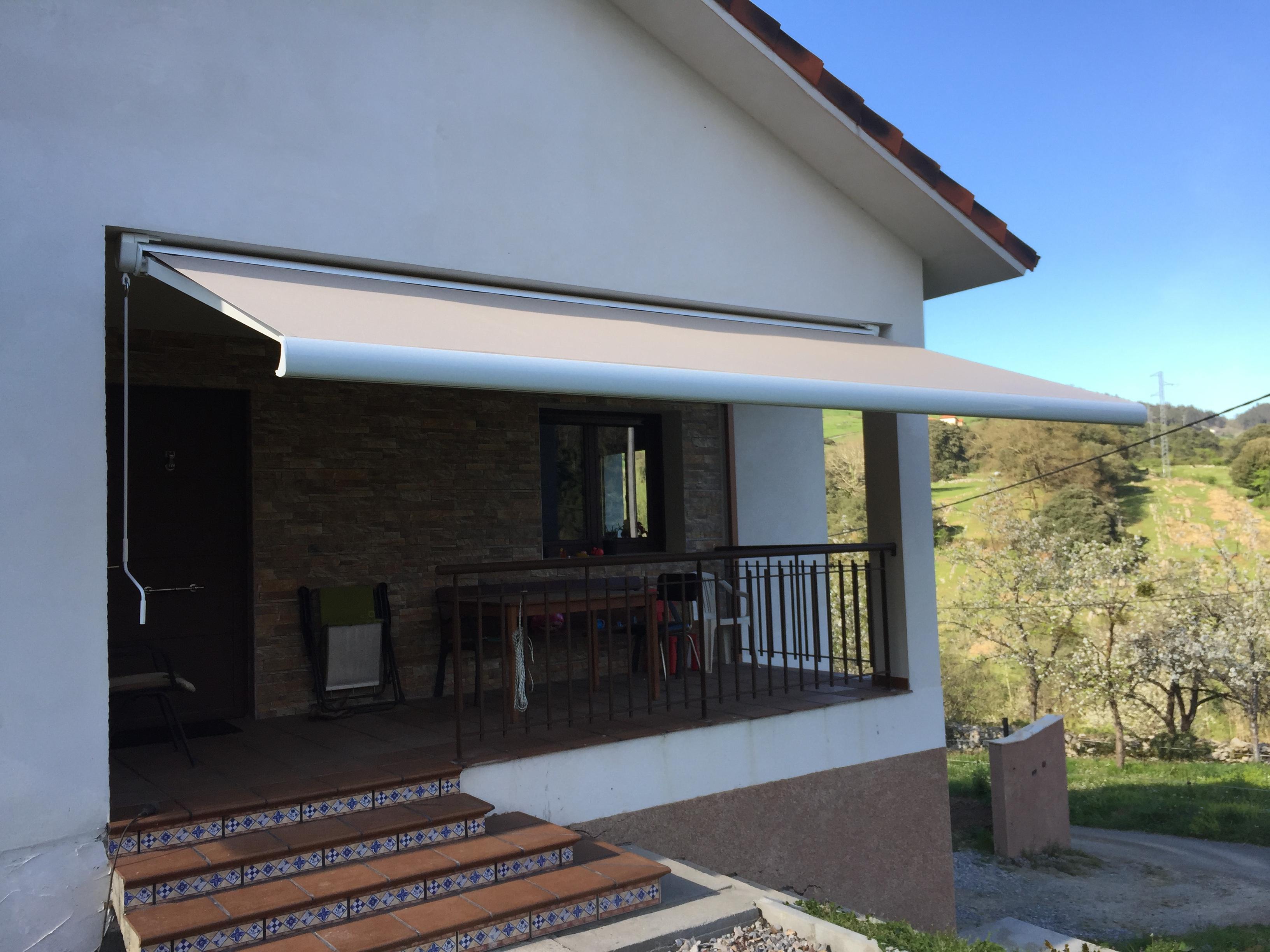 Toldo cofre en avil s modelo storbox 300 toldos en asturias - Tendedero magor ...
